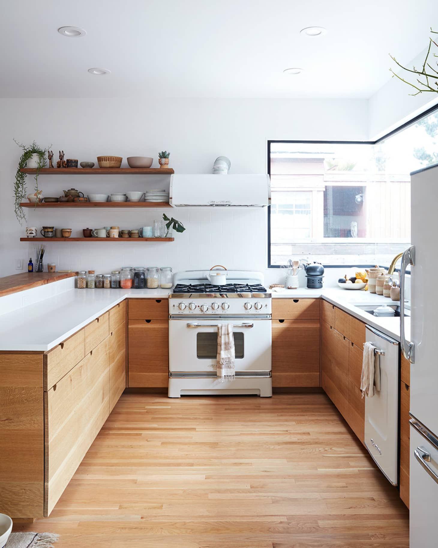 No Kitchen Cabinet Ideas: Kitchens Without Upper Cabinets: Should You Go Without