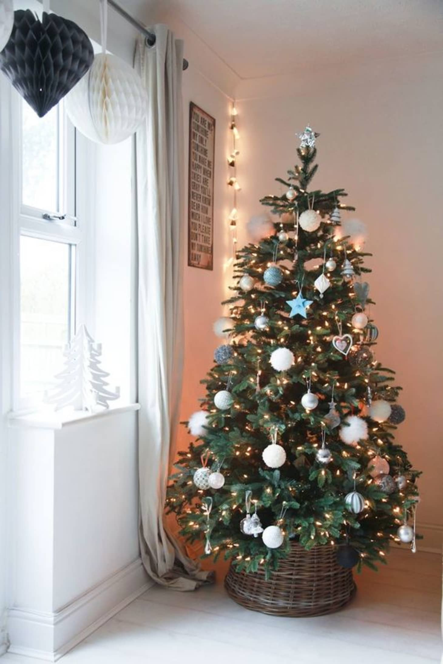 Christmas Tree Skirt Alternatives: Tree in a Basket ...