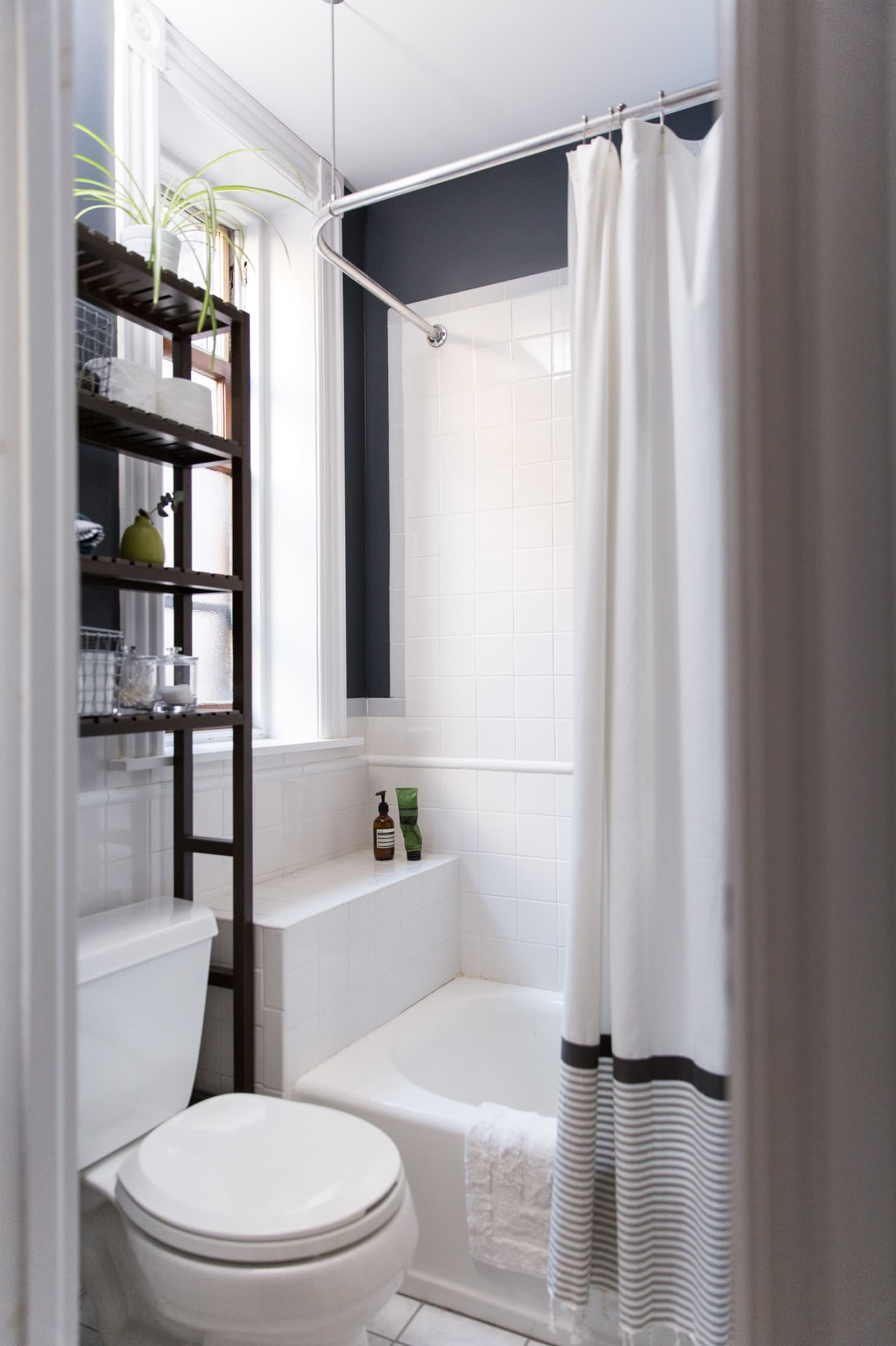 Best Paint Colors for Small Bathrooms | Apartment Therapy on Small Apartment Bathroom  id=25068