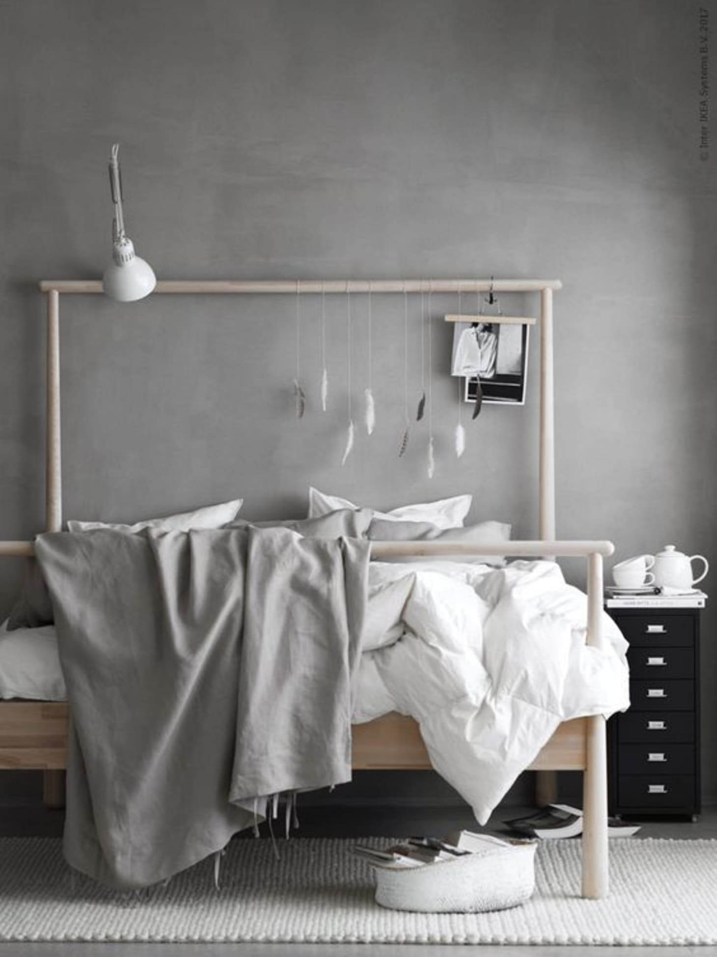 Minimalist Bedroom Ideas (That Aren't Boring) | Apartment ...