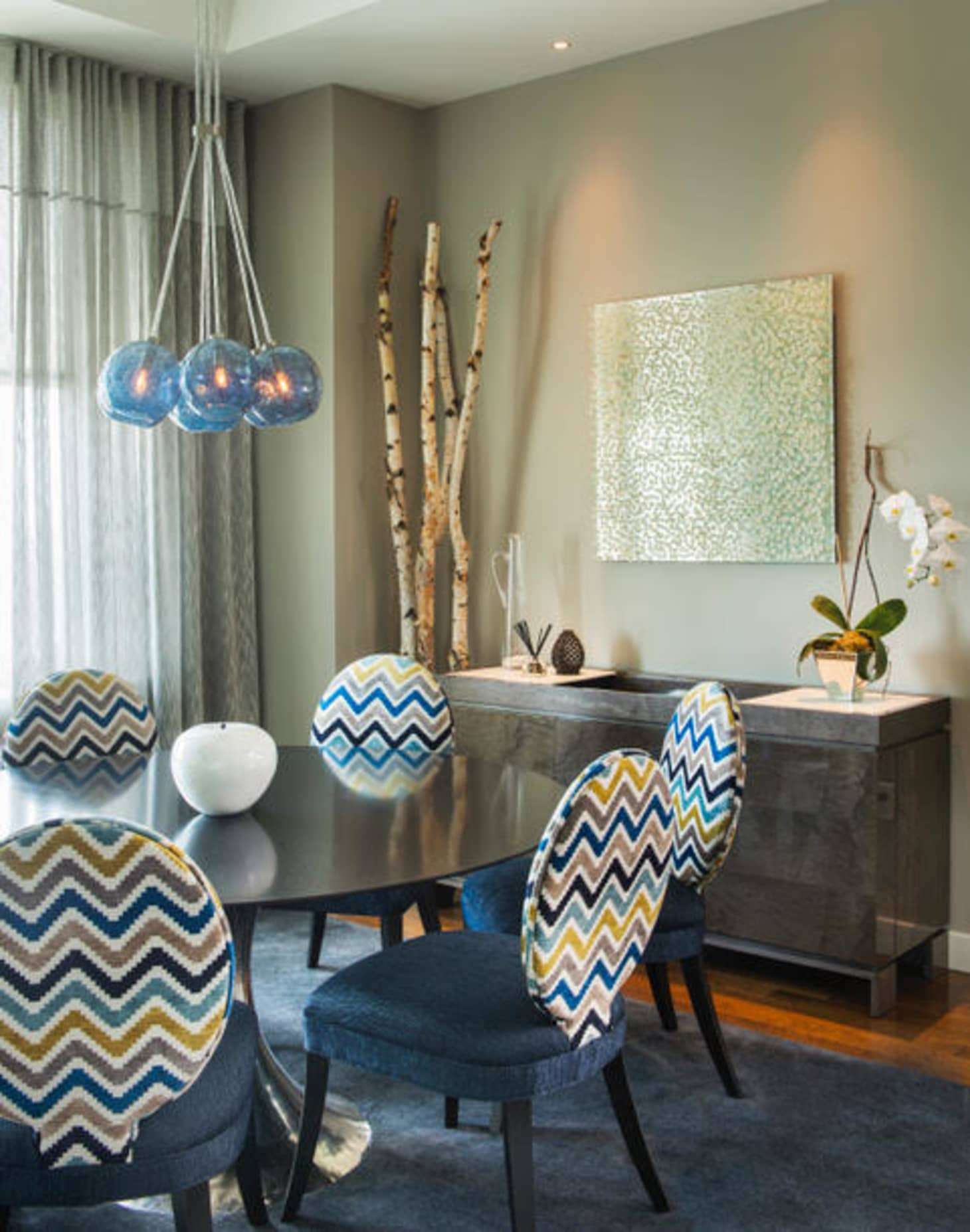 What Not to Do When Decorating a Small Space | Apartment ...