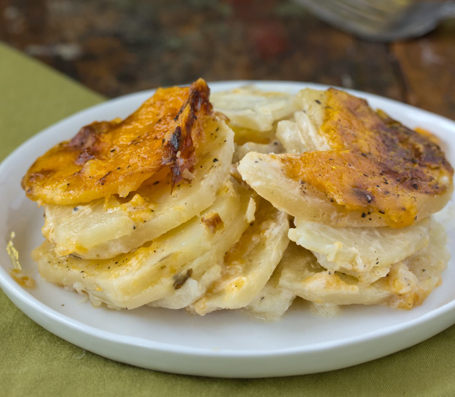 Recipe: Scalloped Potatoes With Onions And Cheddar Cheese