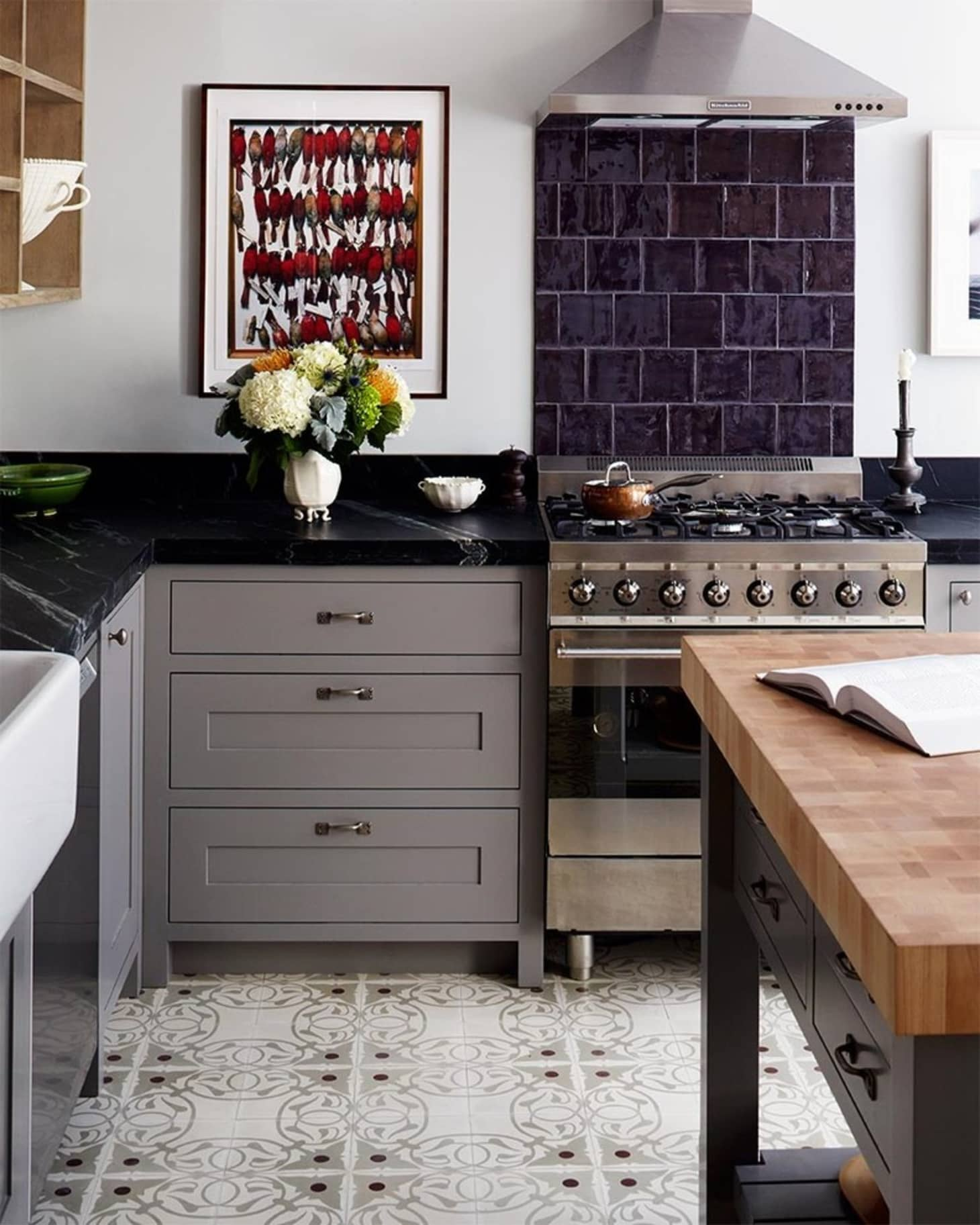 Superbe A Dark Soapstone Countertop Provides A Lovely Contrast To Grey Cabinets In  This Kitchen By Red Design Studio. (Image Credit: Red Design Studio)