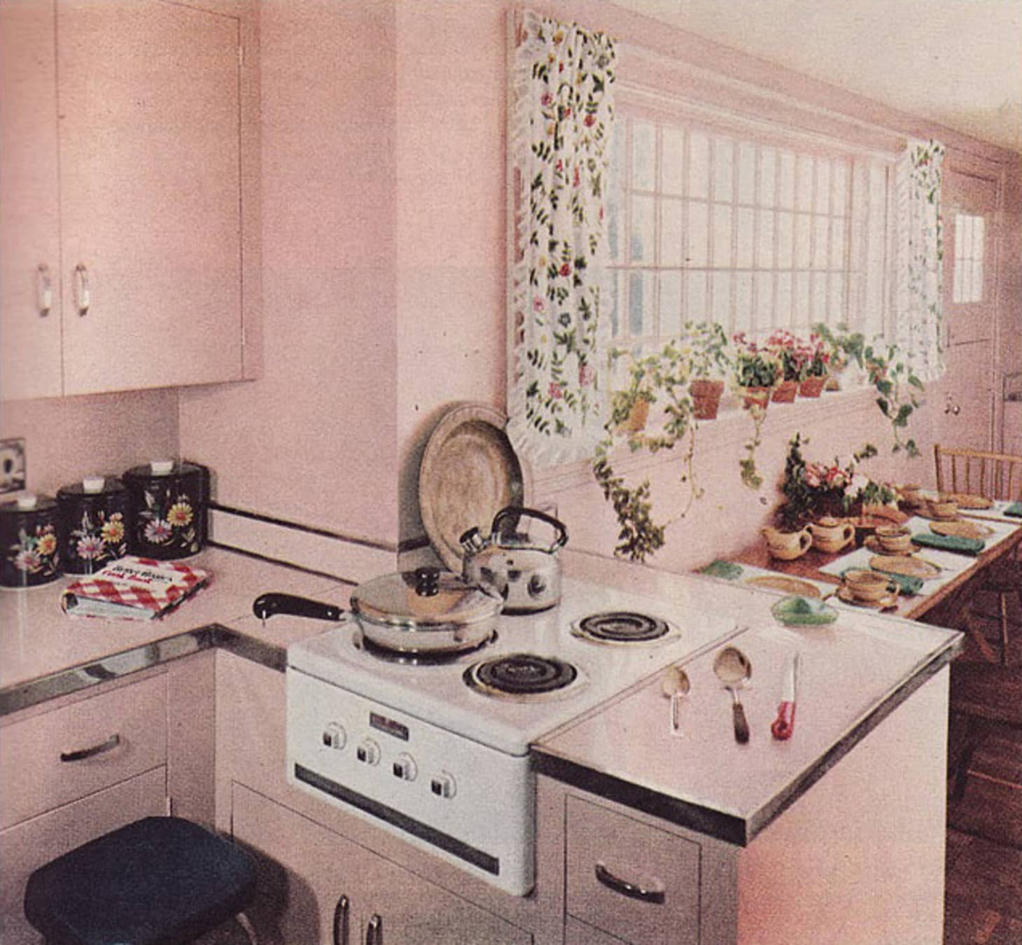 Bon This Example, With Laminate Countertops Edged With A Metal Band, Is From  Mid Century Home Style, Via Their Flickr. (Image Credit: Mid Century Home  Style)
