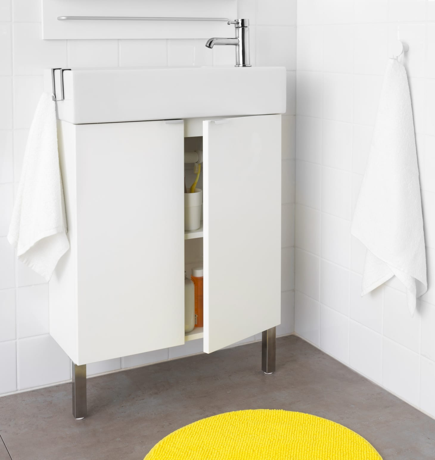 Small Bathroom Vanities and Sinks for Tiny Spaces | Apartment Therapy
