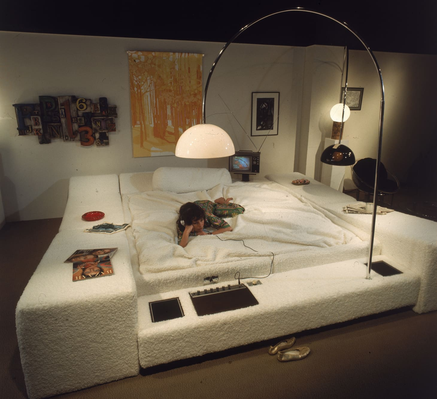 The Suburban Bachelor: A Brief History Of The Waterbed