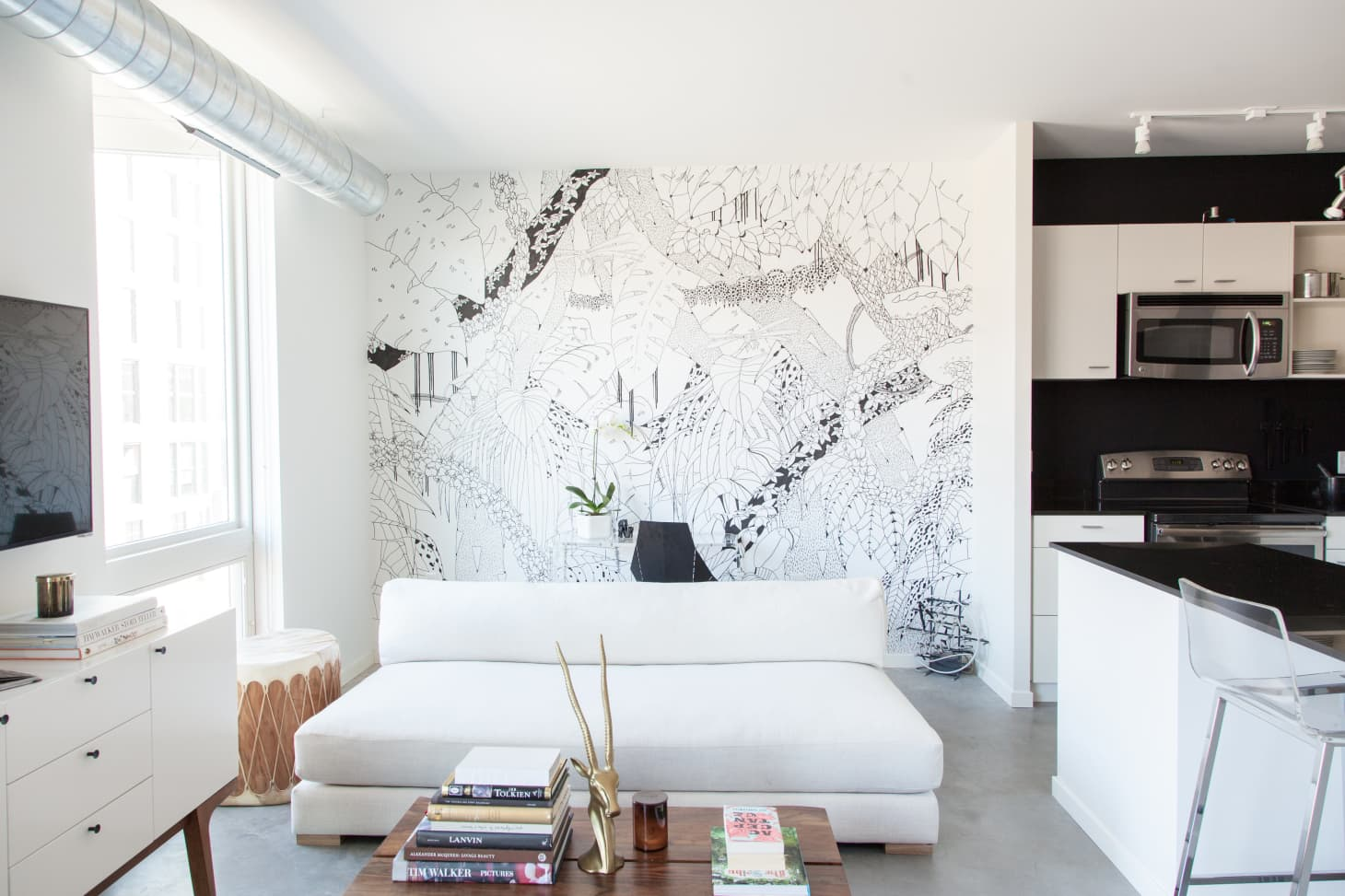 a65ed023dc Nic & Andrew's Minimal Black & White Home in Minneapolis (Image credit:  Emma Fiala). Turn a blank wall ...