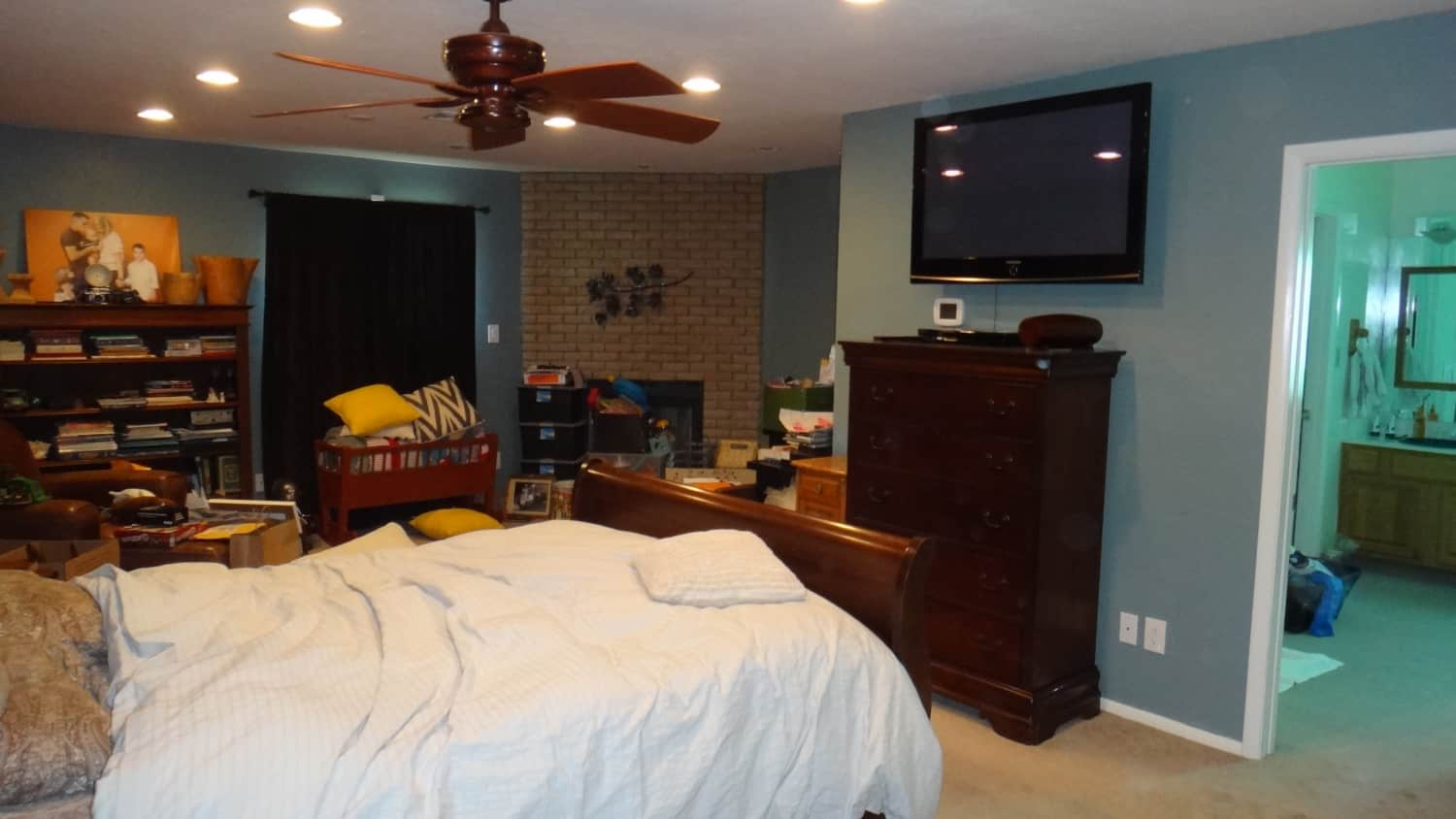 """The """"Darkly Dreary to Modern Minimal"""" Master Bedroom Makeover"""