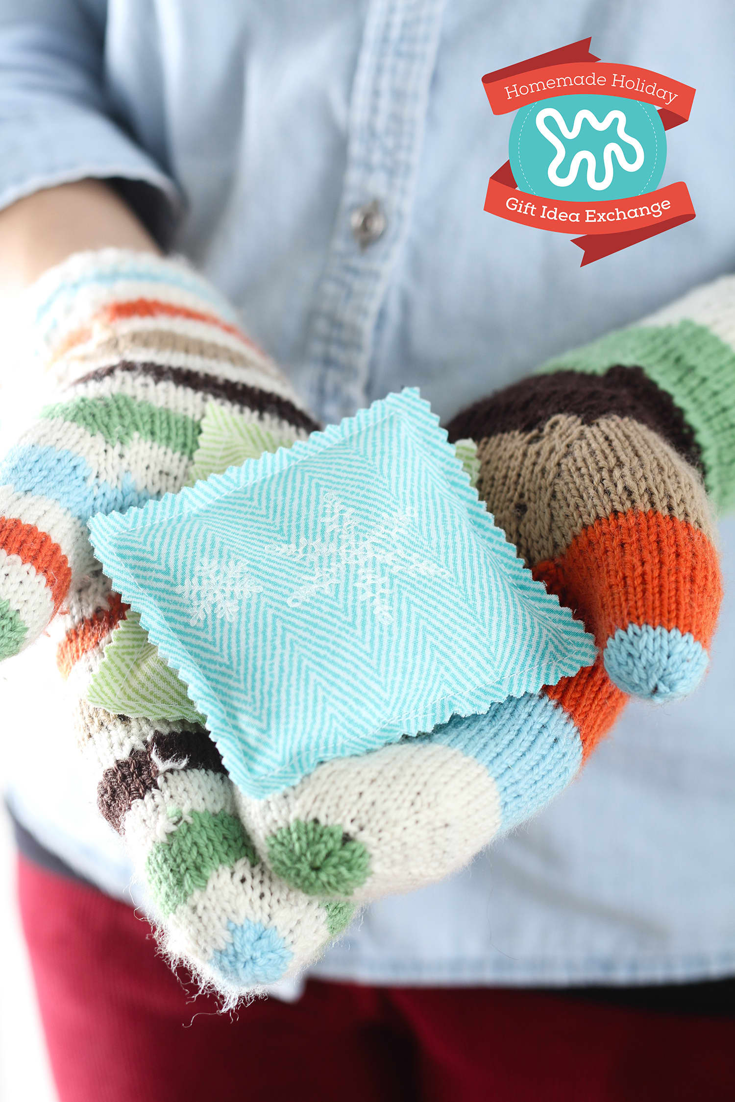 Homemade Holiday Gift Idea: Make These Cozy Lavender Handwarmers