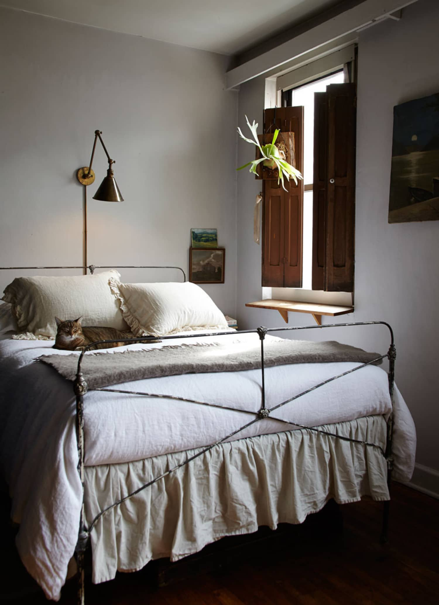 Deliciously Moody: Stylishly Serene Bedrooms
