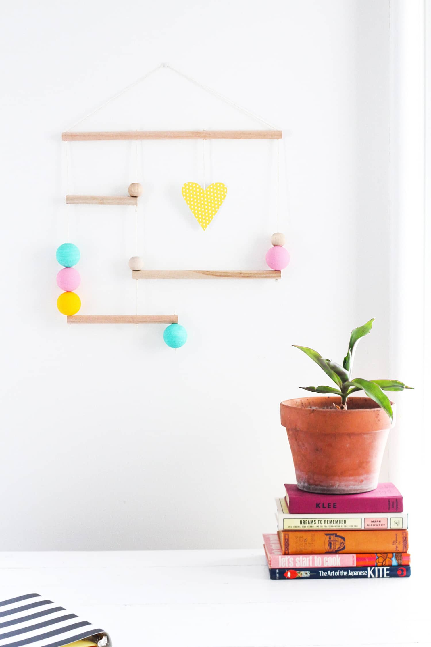 Fast & Fashionable: A Sweet Wooden Wall Hanging to DIY