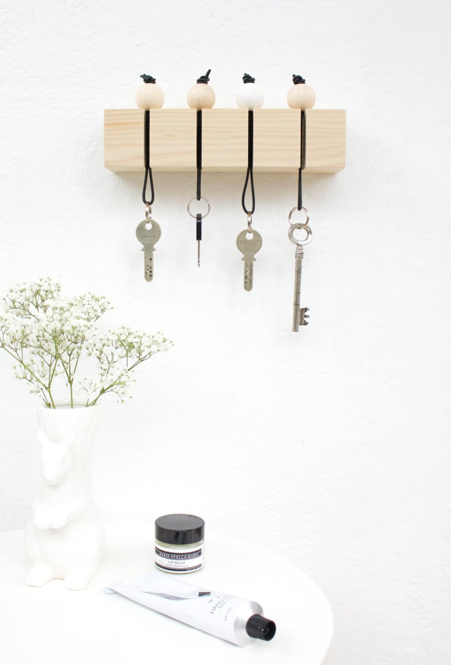 Never Misplace Keys Again: DIY Ways To Store Lots of The Little Losable Things