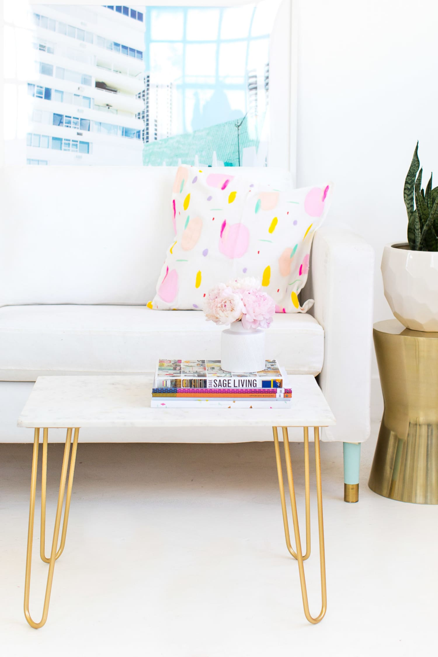 25 On-the-Cheap DIY Ideas to Make Your Living Room Look Expensive