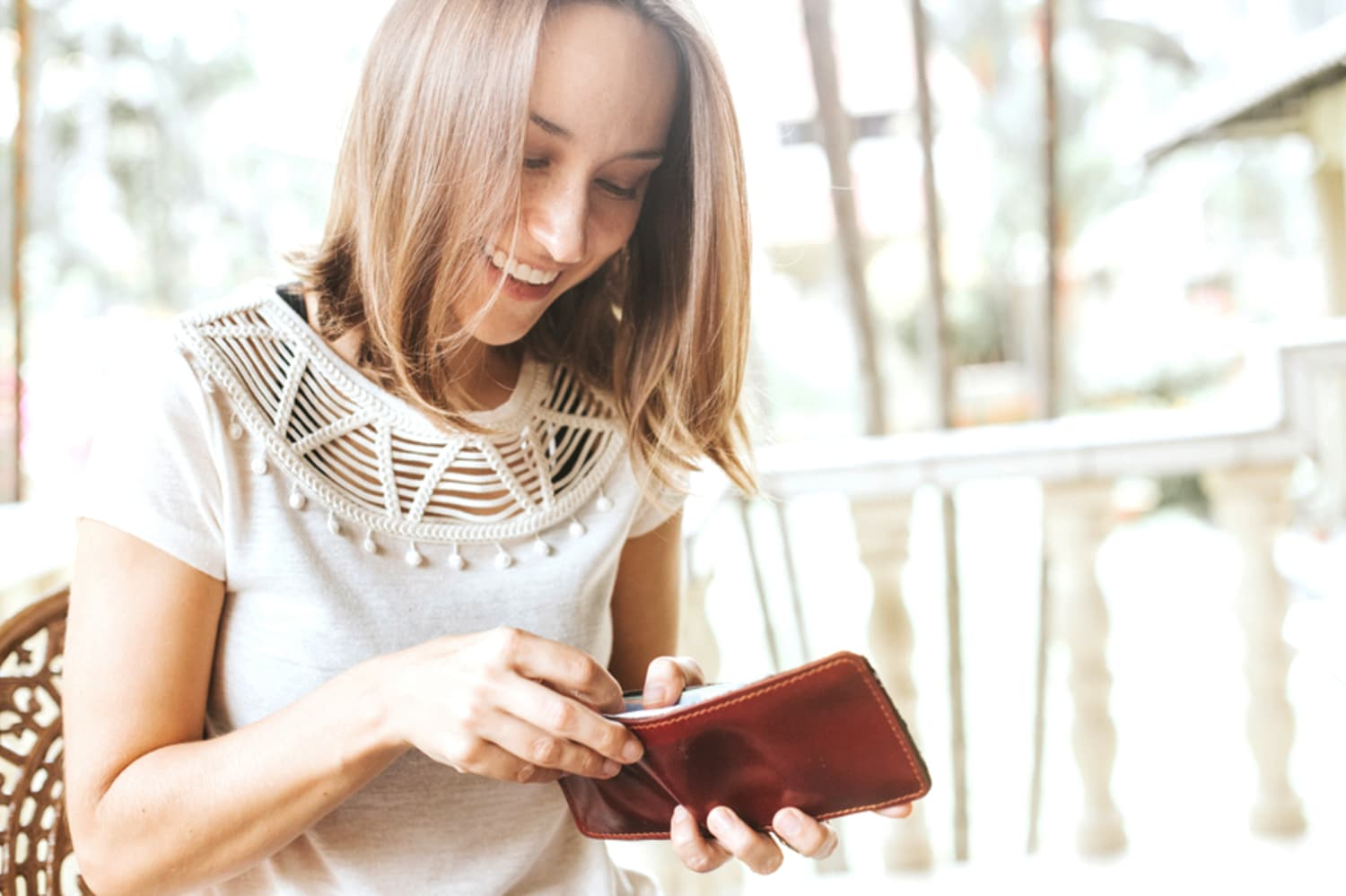 7 Things You Should Always Pay for With a Credit Card (and a Few Things You Should Never)