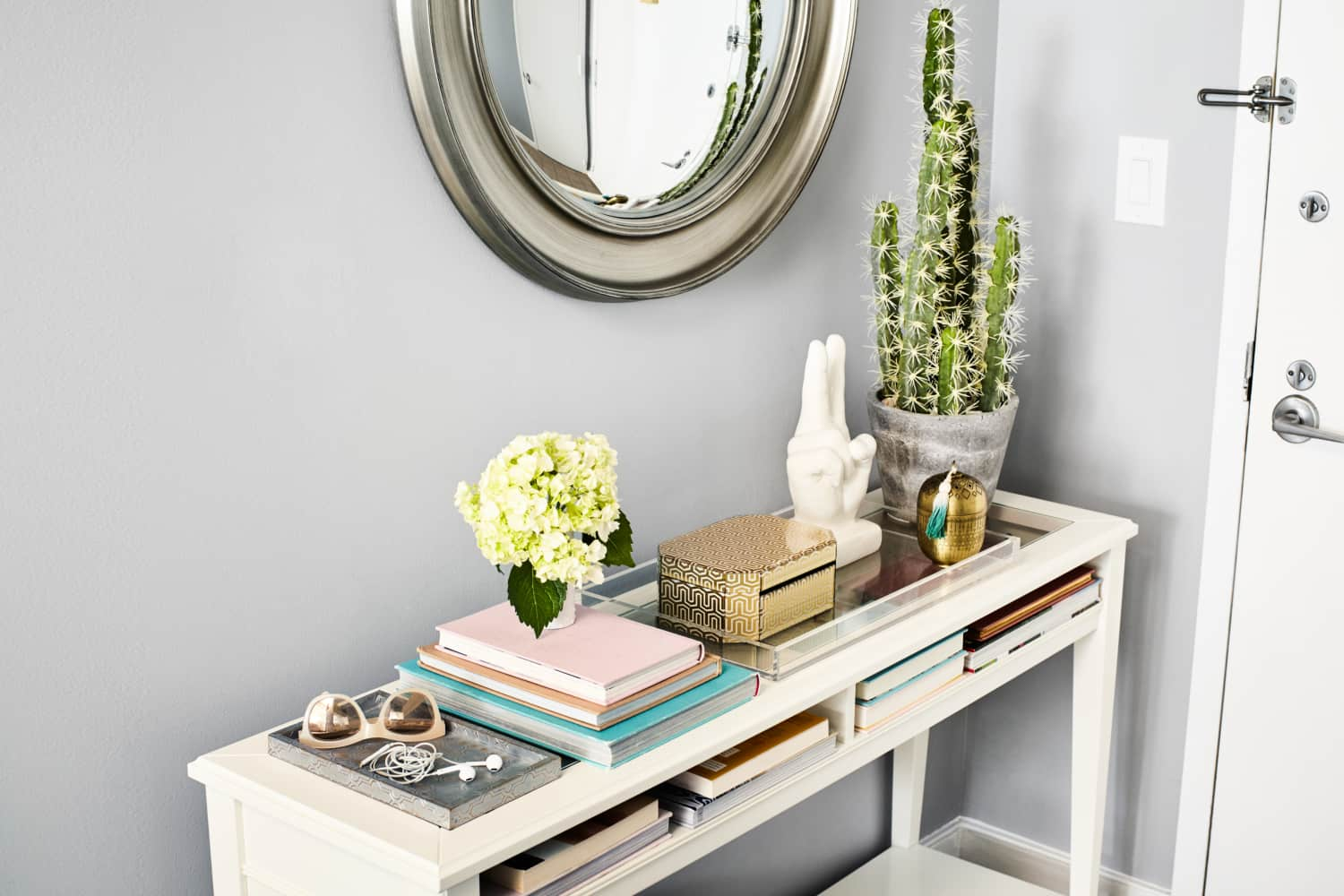Make It Beautiful: How To Style the Perfect Entry Table