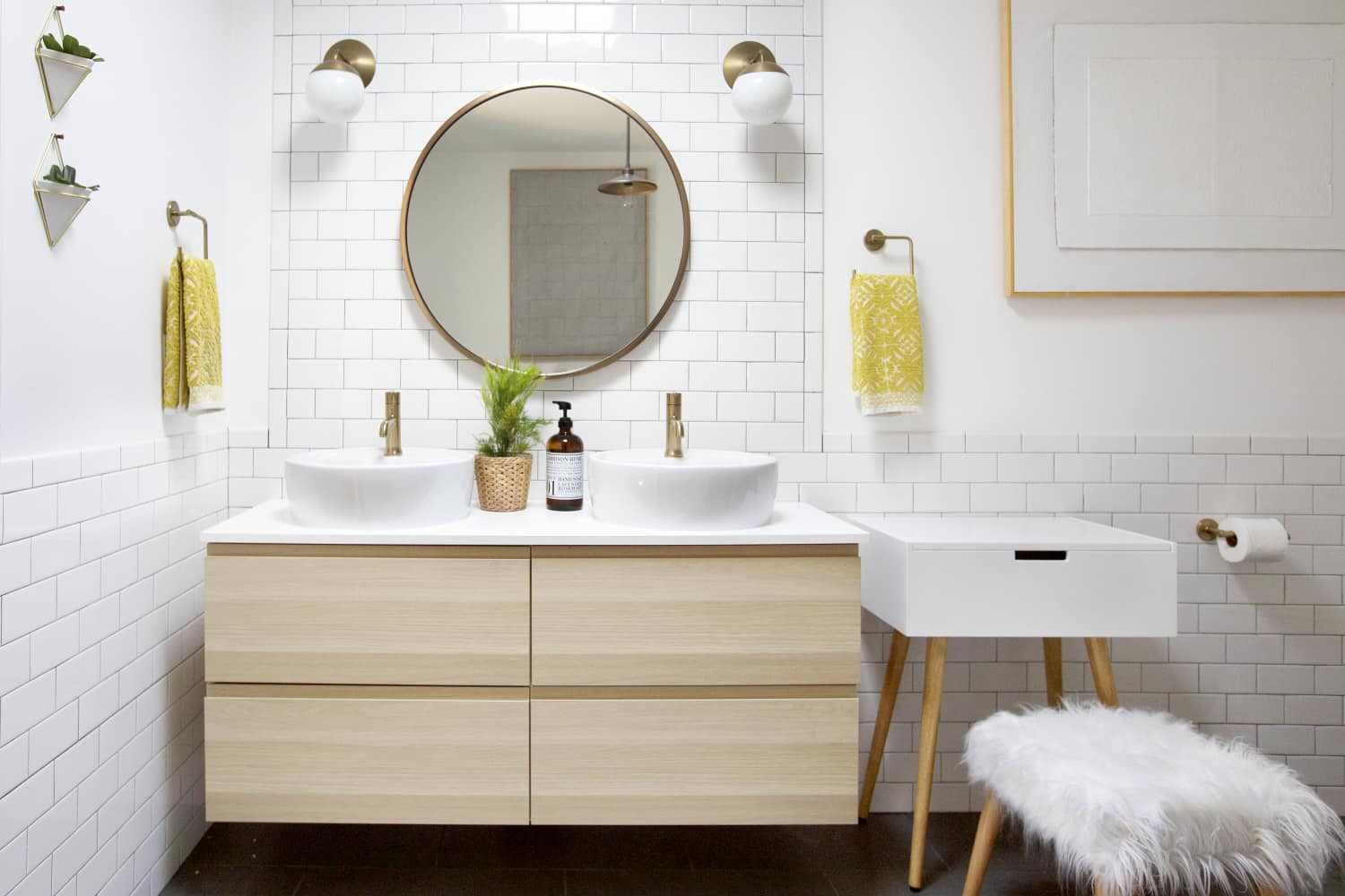 Bathroom remodel cost how to budget a renovation - Average price for bathroom remodel ...
