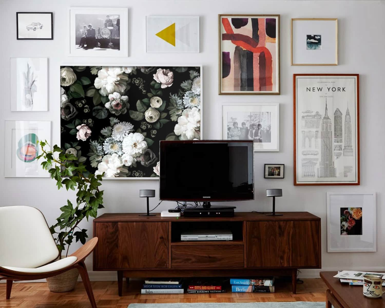 10 Unexpected (& Cheap!) Things You Haven't Thought to Frame as Art