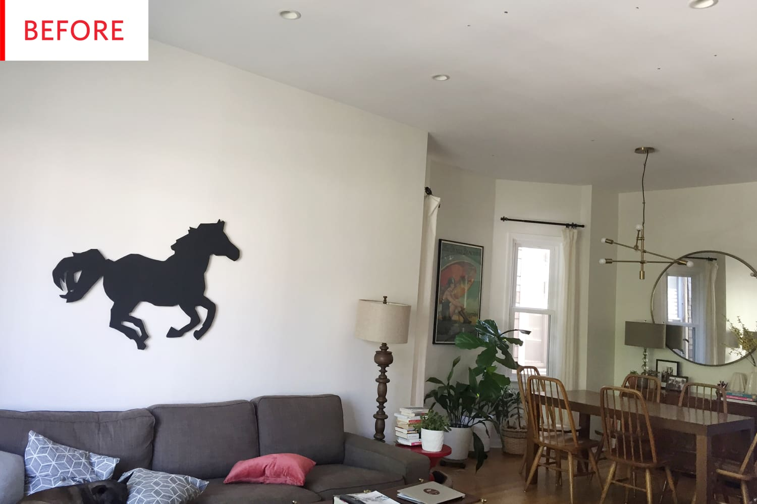 Before and After: This Living Room is All About the New Ceiling
