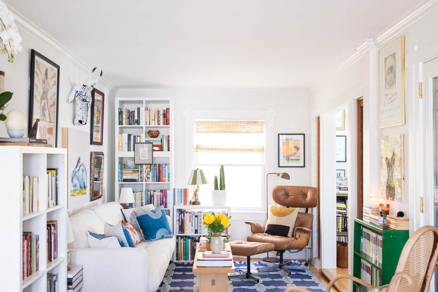 The 9 Go-To Stores Real Estate Agents Use for Inexpensive Staging Decor