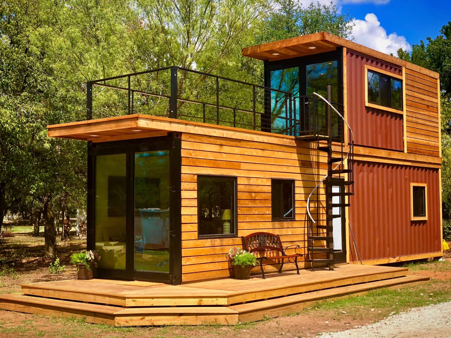 rent this chic shipping container tiny house for under 200 apartment therapy. Black Bedroom Furniture Sets. Home Design Ideas