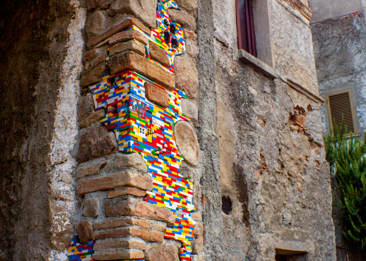 This Artist Uses LEGO to Repair Structures All Over the World