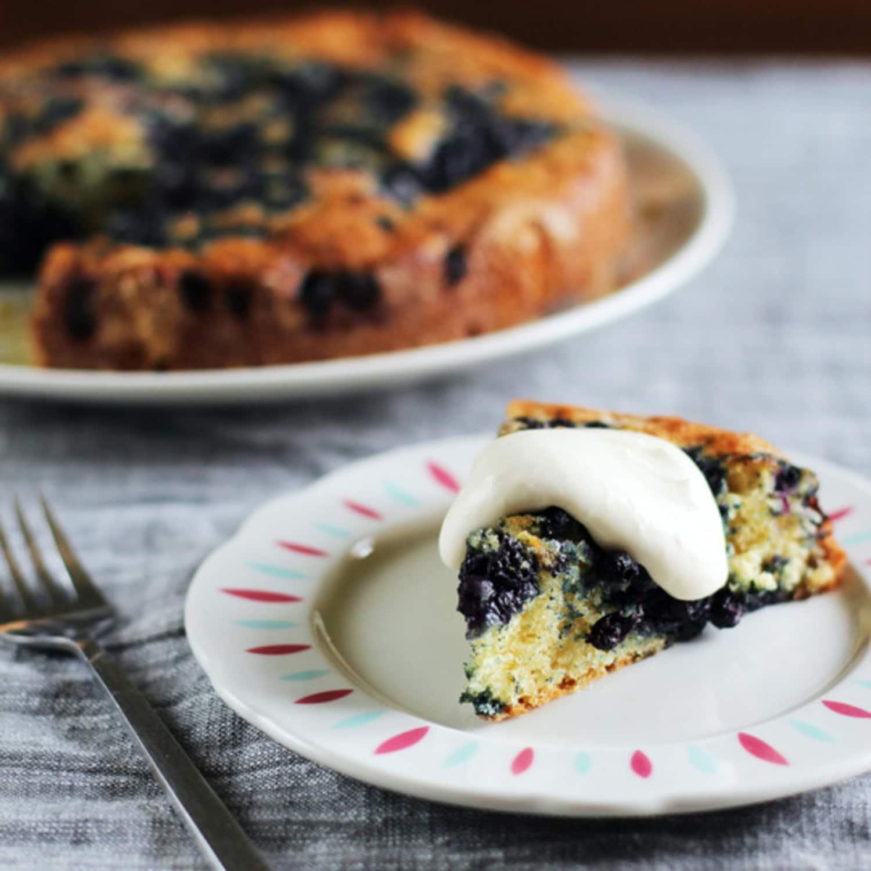 Lemon-Blueberry Yogurt Cake, Churros Balls, How to Make Macaroons & Chocolate Crunch Bars