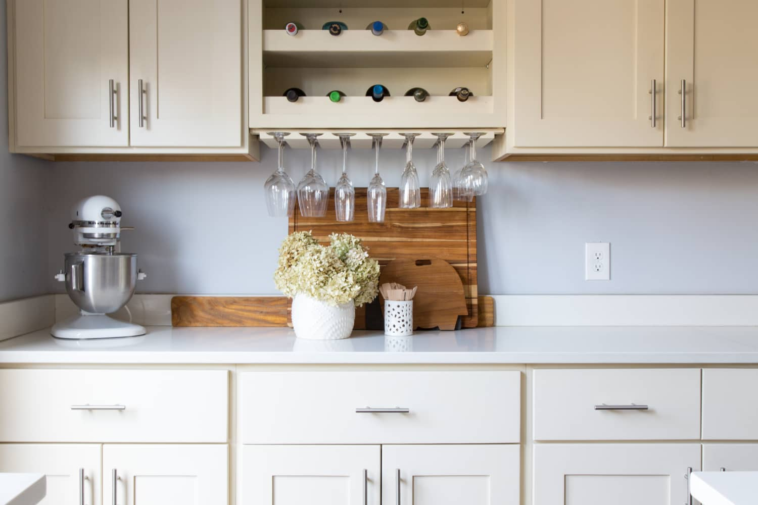 Tips For Stylishly Stocking That Open Kitchen Shelving: The 10 Commandments Of A Clutter-Free Kitchen