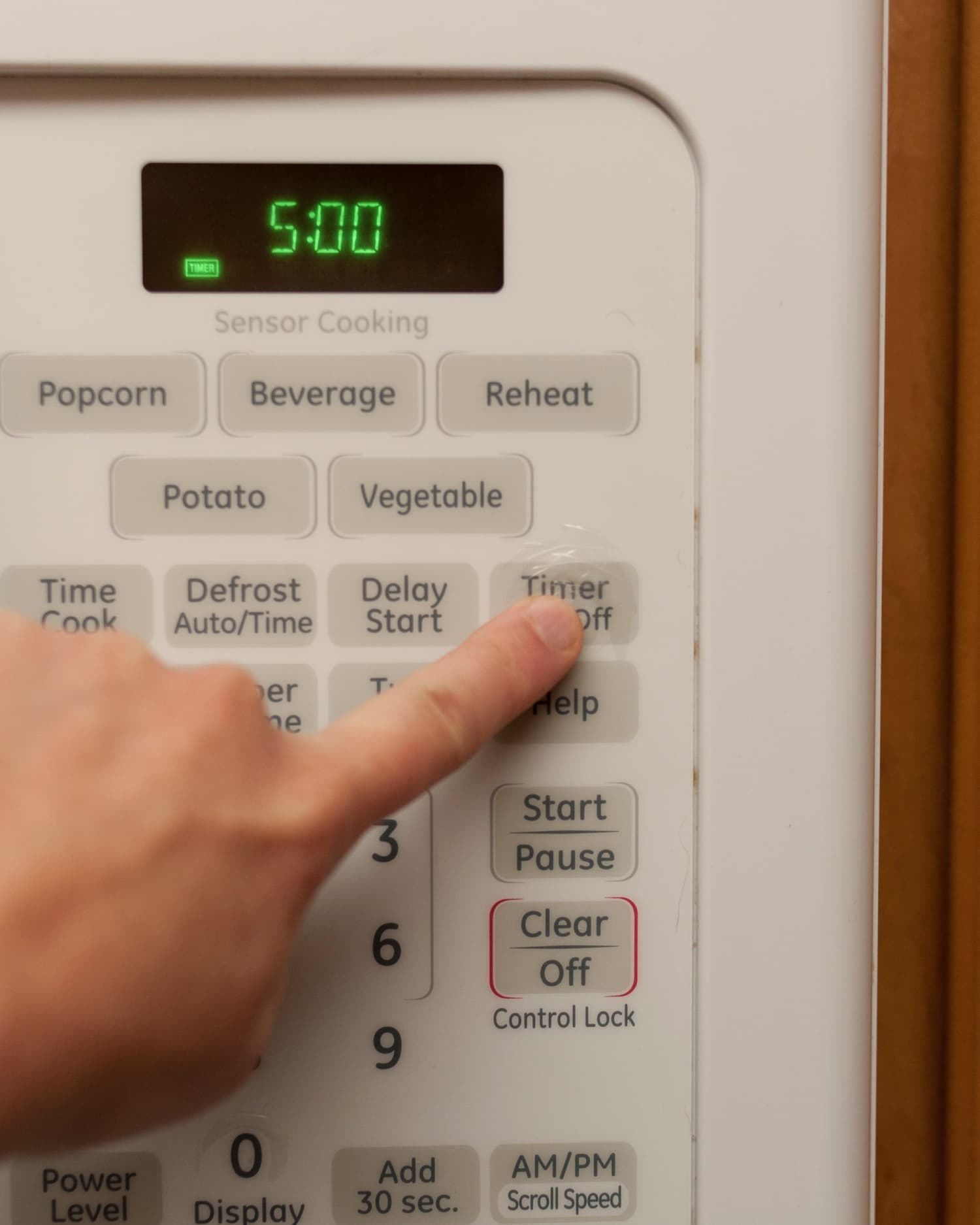 Microwave Making Noise Burning Smell And Not Heating: 6 Signs It's Time To Replace Your Microwave