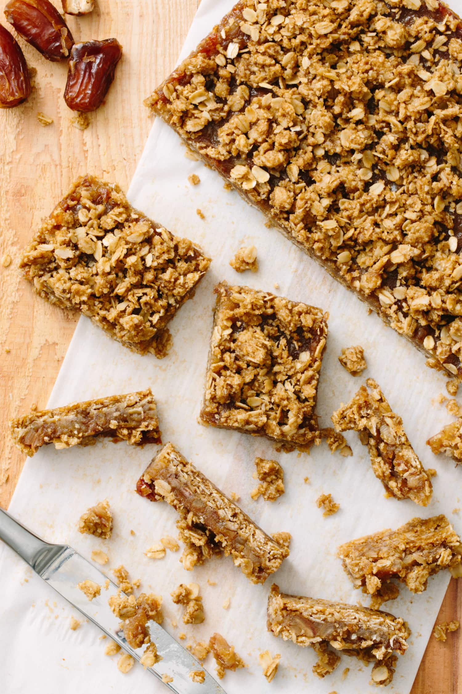 How To Make Old-Fashioned Date Bars