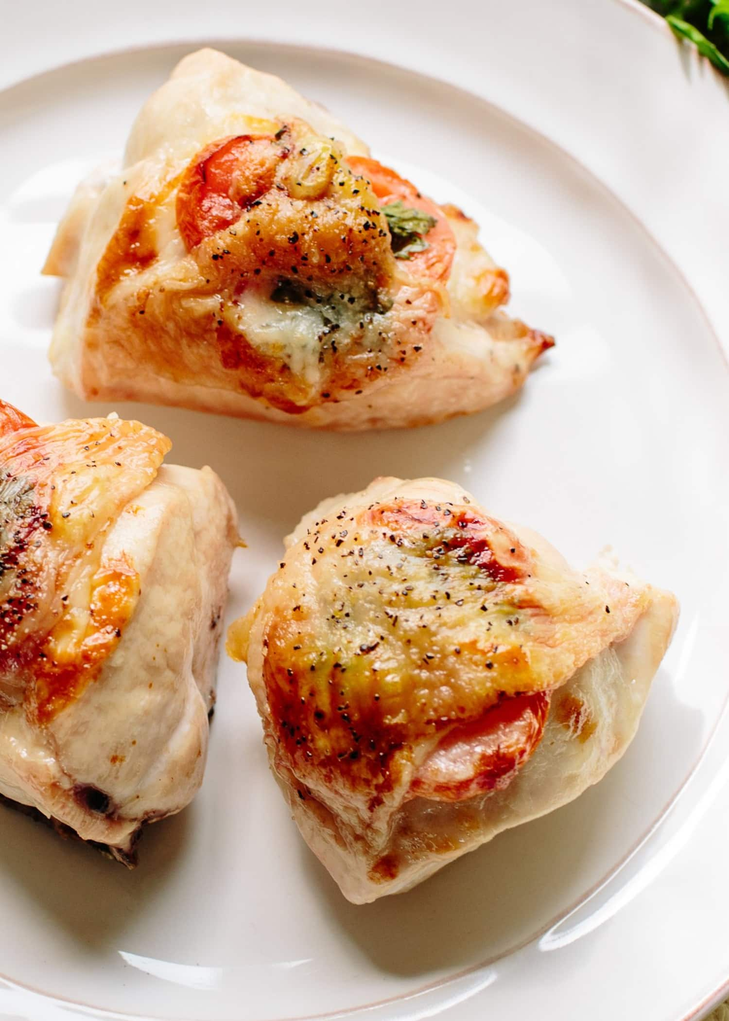 This Garlicky Chicken with Mozzarella Is a Dinner Dream