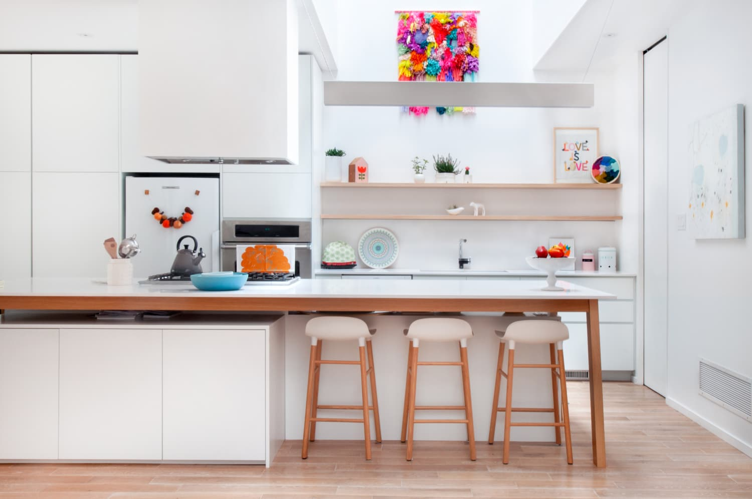 Our 30 Most Brilliant Tips for Dealing with Clutter in the Kitchen