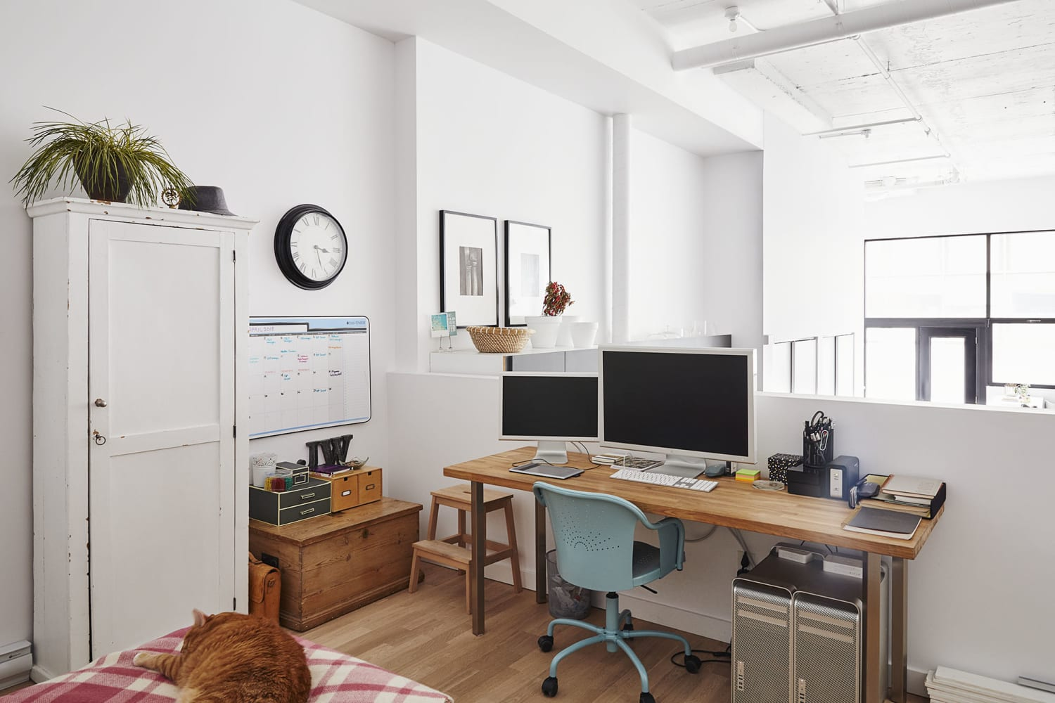 Here's How to Tell If You Need to Declutter Your Schedule