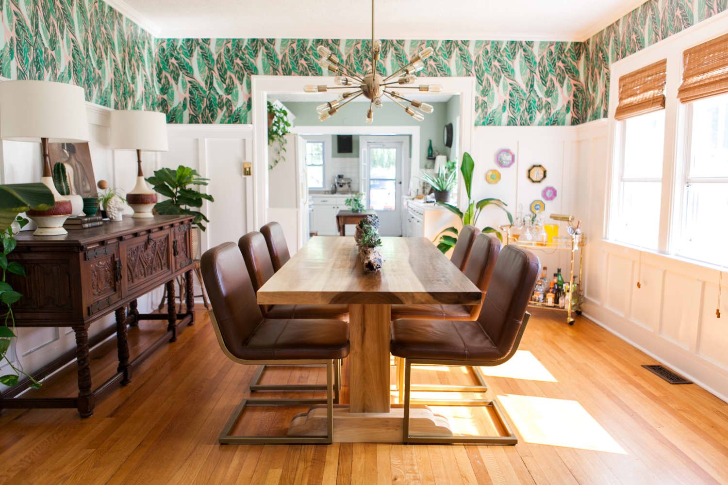 9 Stylish Dining Rooms That Just Might Convince You to Wallpaper