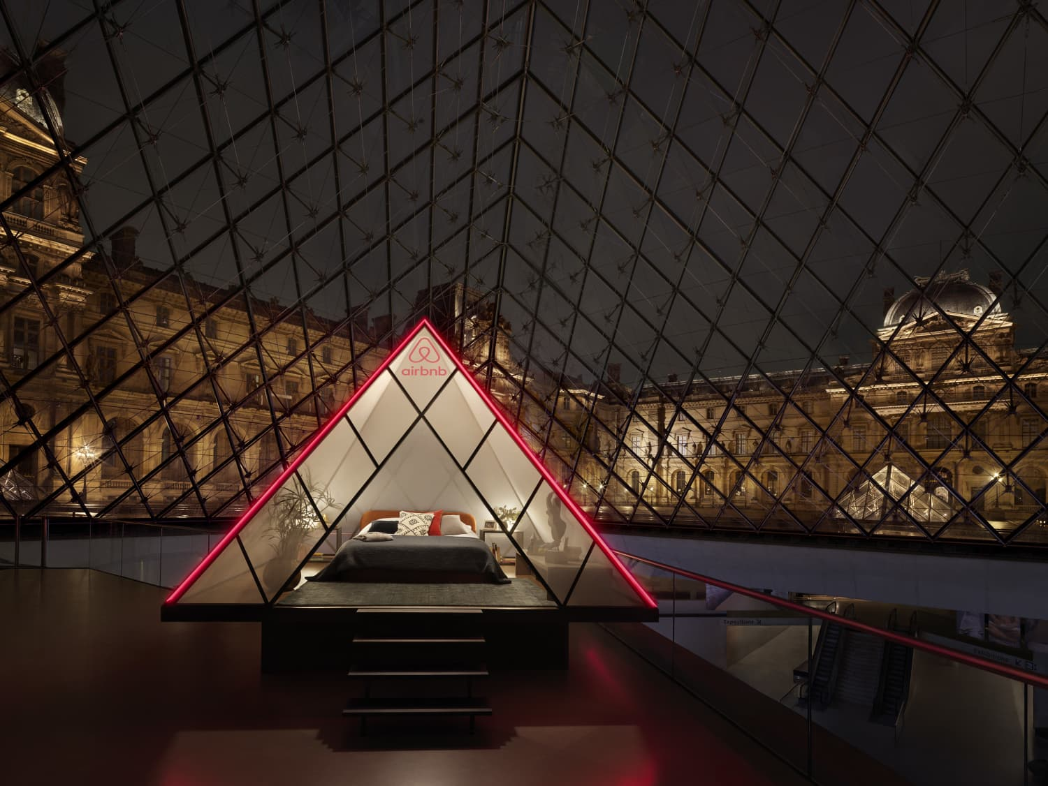 You Can Win a Sleepover at The Louvre Hosted By Airbnb (and Mona Lisa)