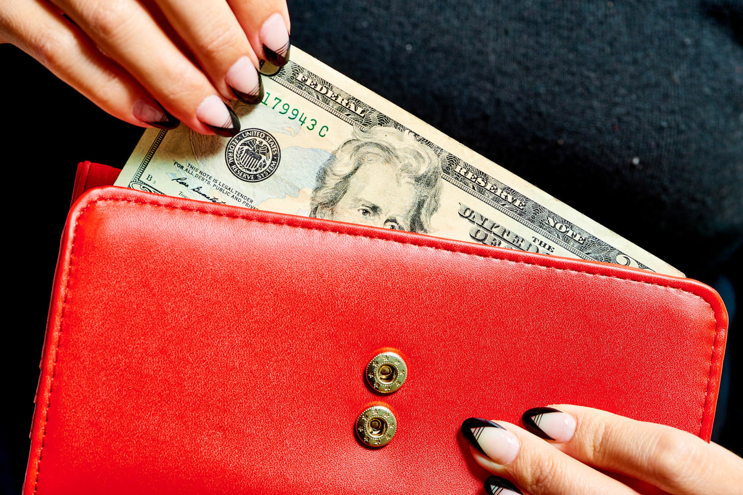 15 No-Spend Challenge Ideas (Plus 3 Important Rules) You Can Try to Save Money
