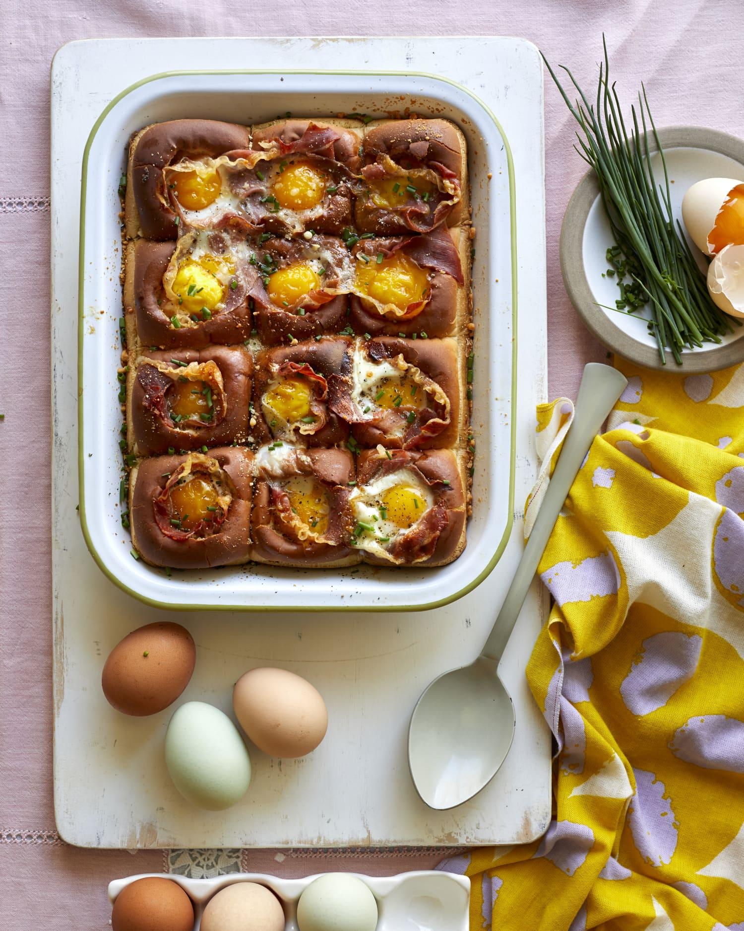 Recipe: Hawaiian Roll Egg-in-a-Hole