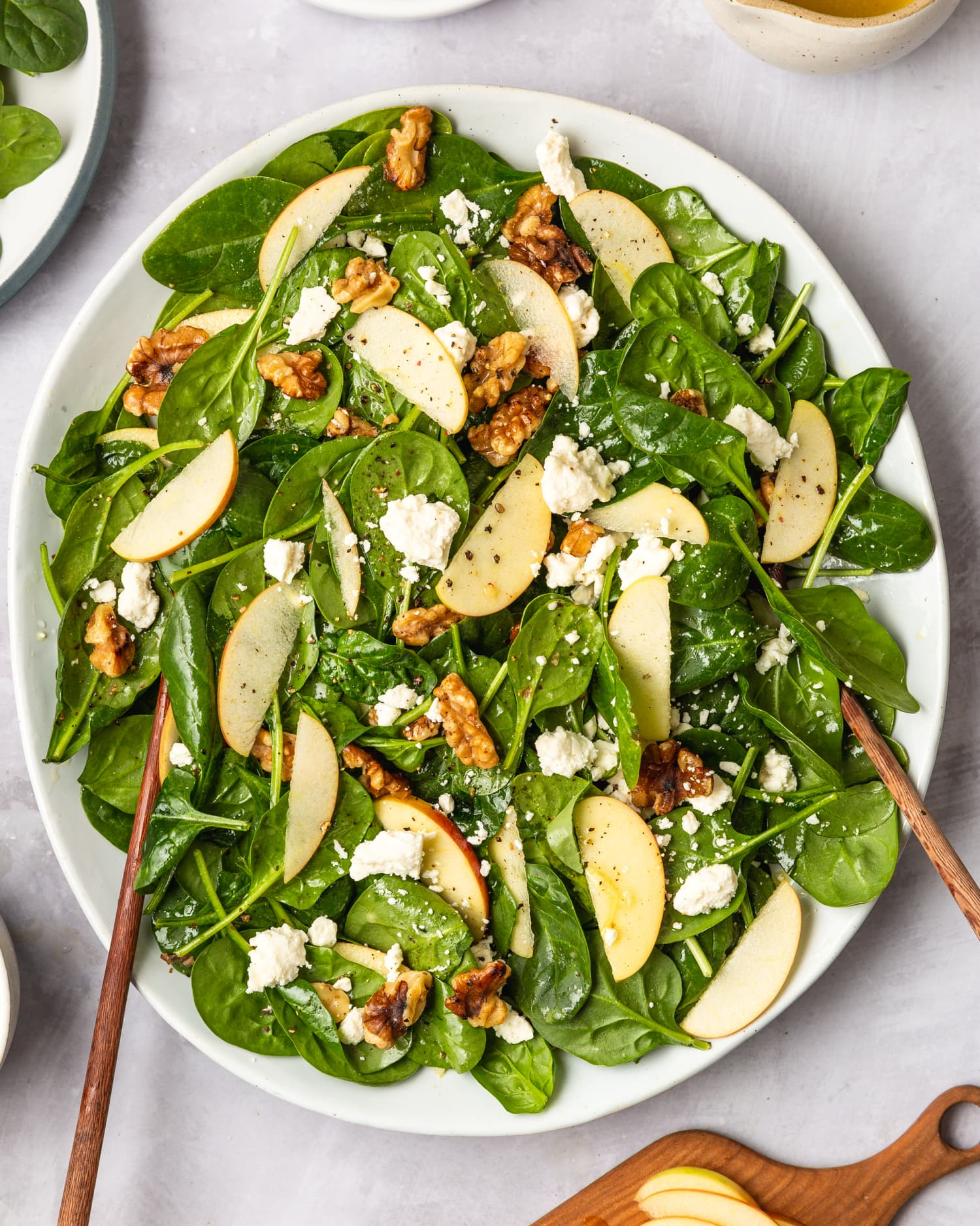 Recipe: Easy Spinach Salad with Apples, Walnuts, and Feta