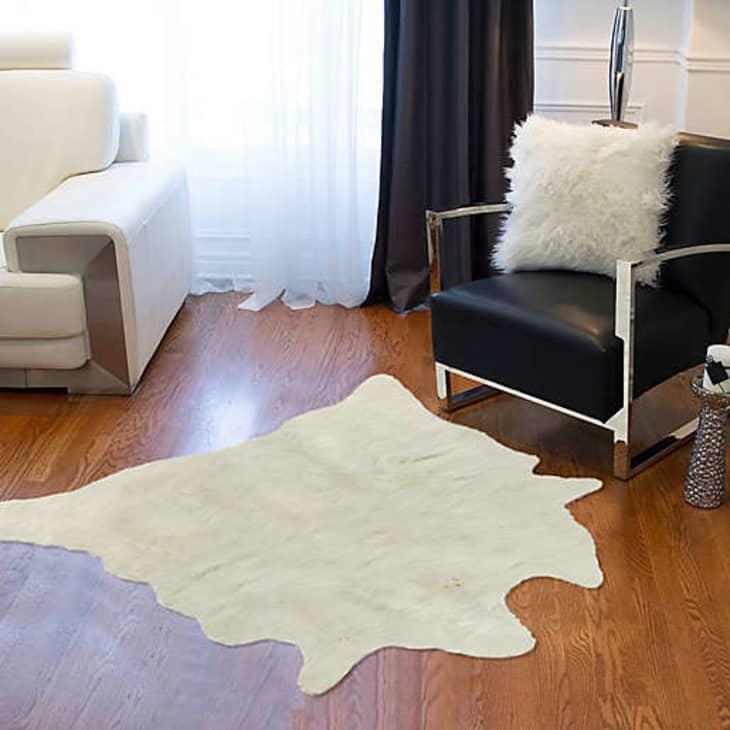 """产品图片:Luxe faux毛皮人造牛皮地毯,4'3""""x 5"""""""
