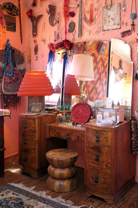Gina's Vintage Bohemian Home Atop the Shop | Apartment Therapy