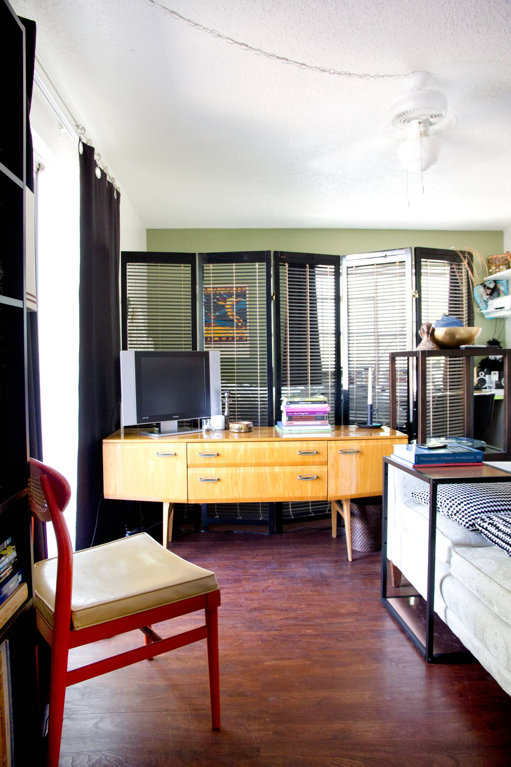 Tiny Home Designs: House Tour: A 400 Square Foot Austin Studio Apartment