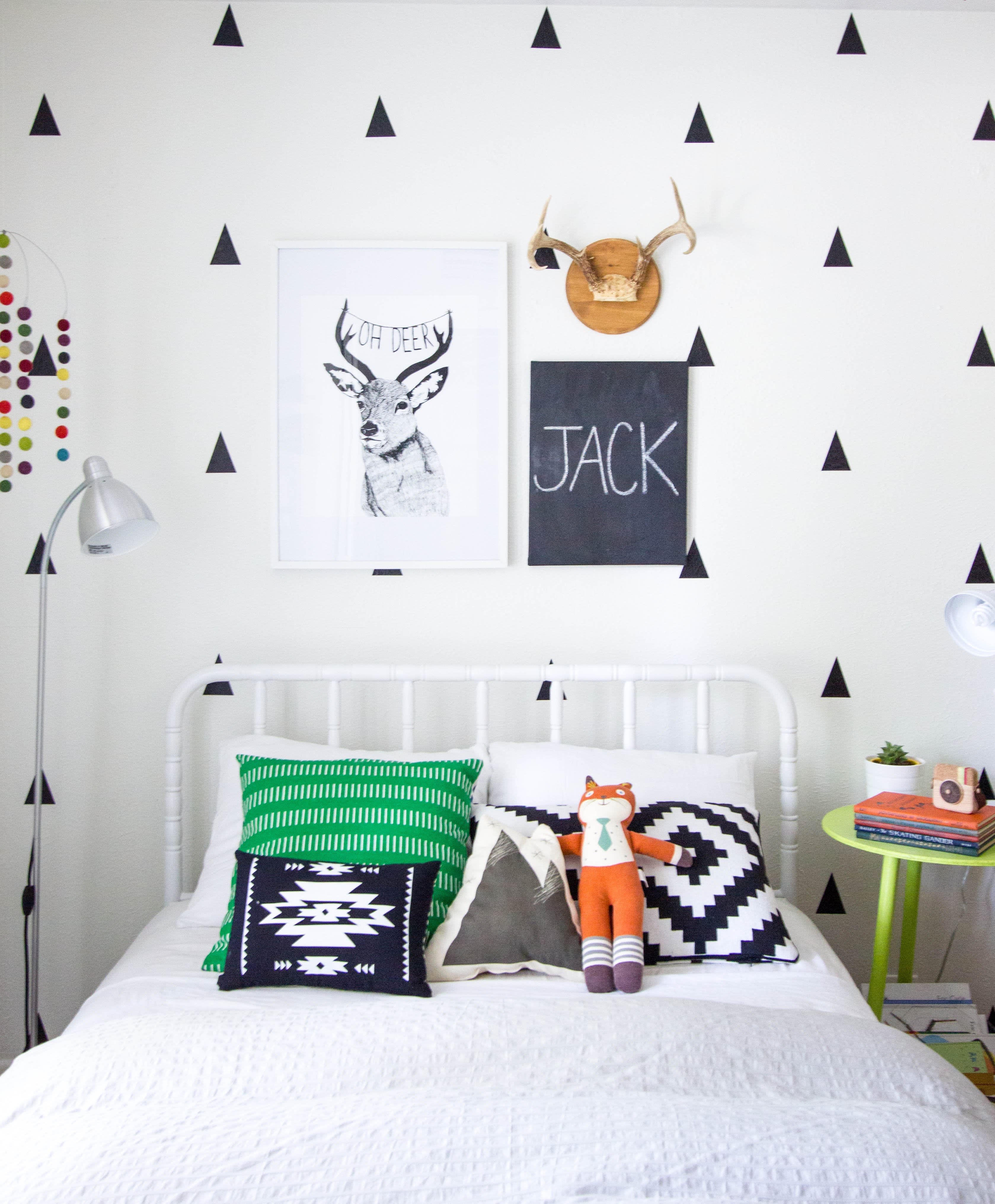Trendy Kids Decor on a Budget: Black-on-White Wall Decals ...