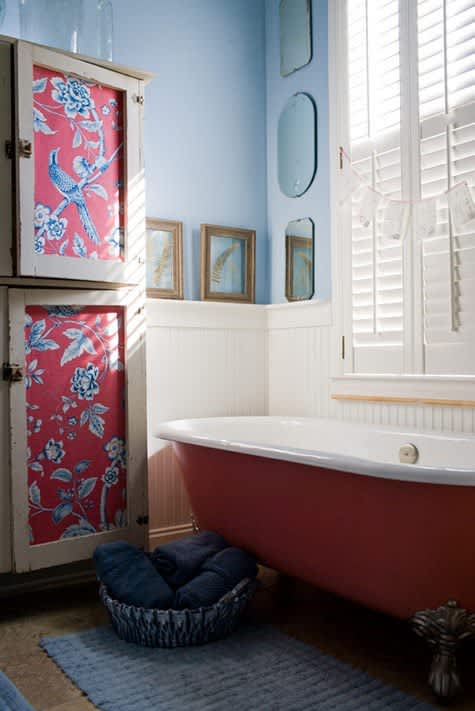 Bathroom Inspiration: 10 Colorful Clawfoot Tubs ...