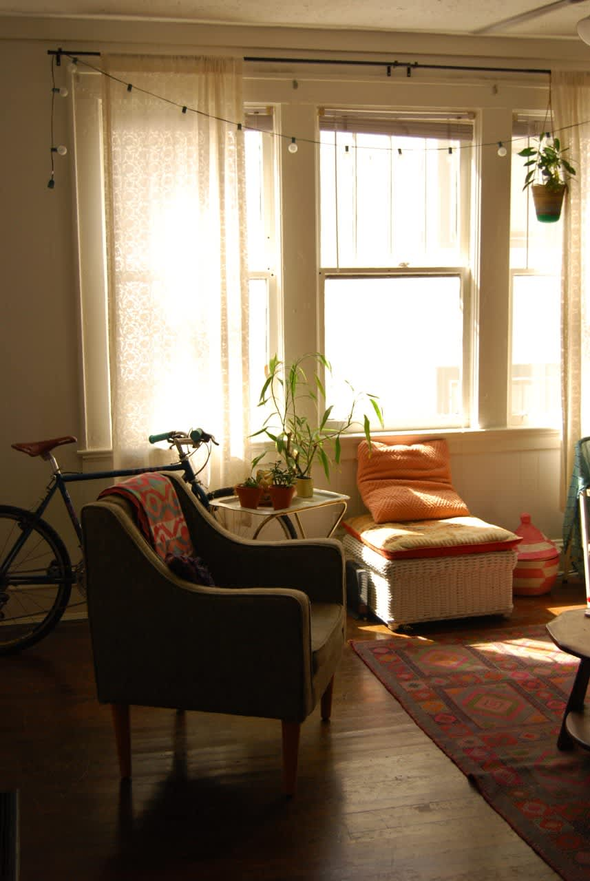House Tour: A Cozy Teeny Tiny Boho Studio   Apartment Therapy