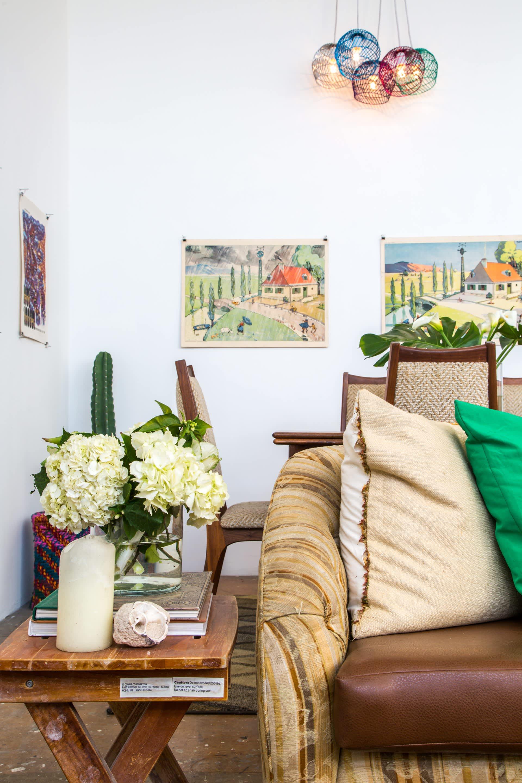 House Tour: A Bold & Colorful Los Angeles Loft | Apartment ... on