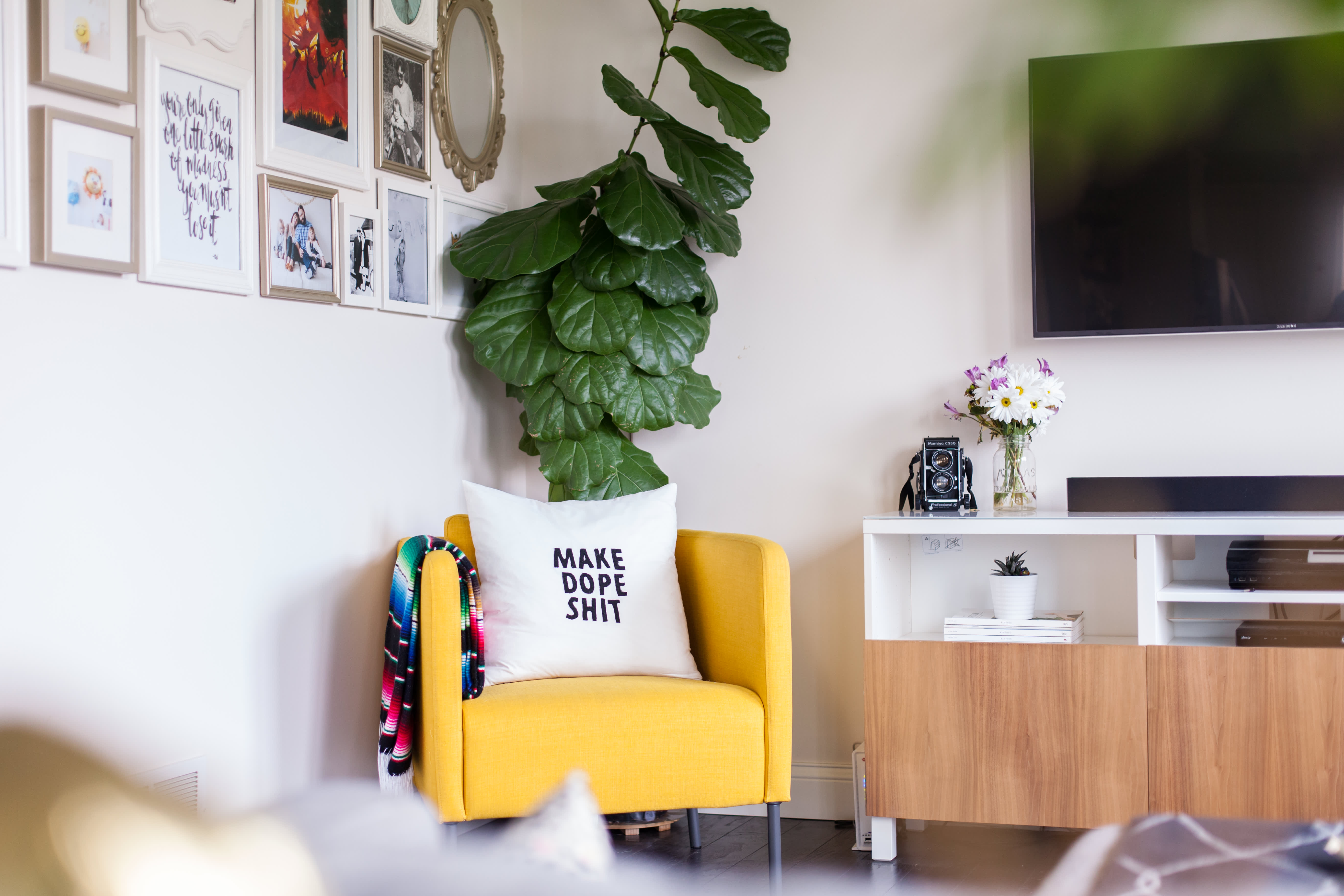 House Tour: A Photographer's High-Contrast Home   Apartment