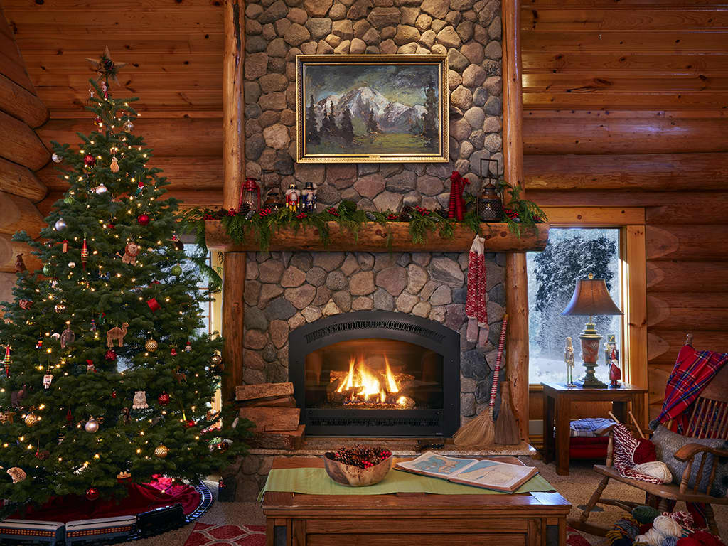 Log Cabin Christmas.A Cozy Log Cabin Full Of Holiday Cheer Apartment Therapy