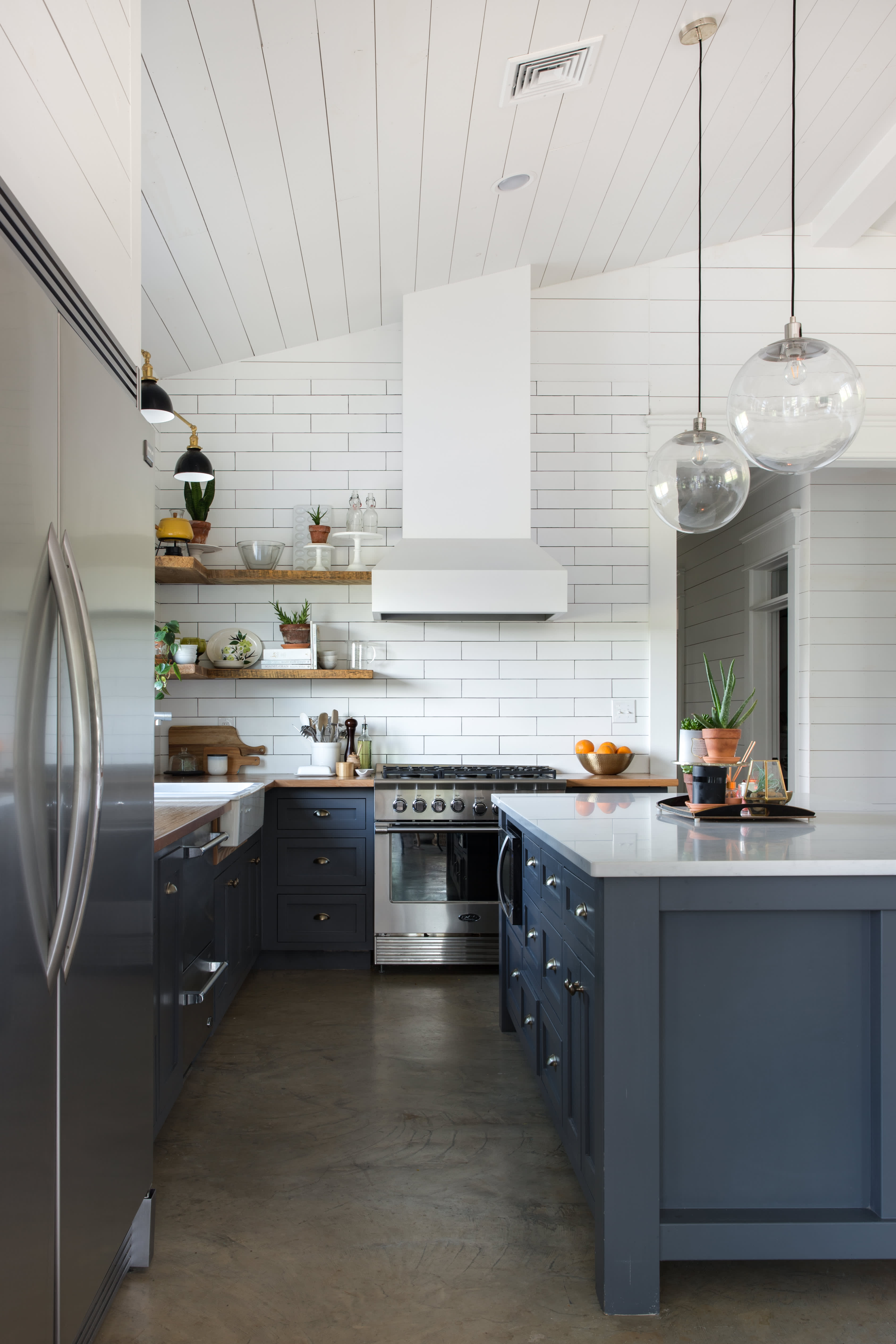 Amazing House Tour An Eclectic Barn House In Louisiana Apartment Download Free Architecture Designs Scobabritishbridgeorg