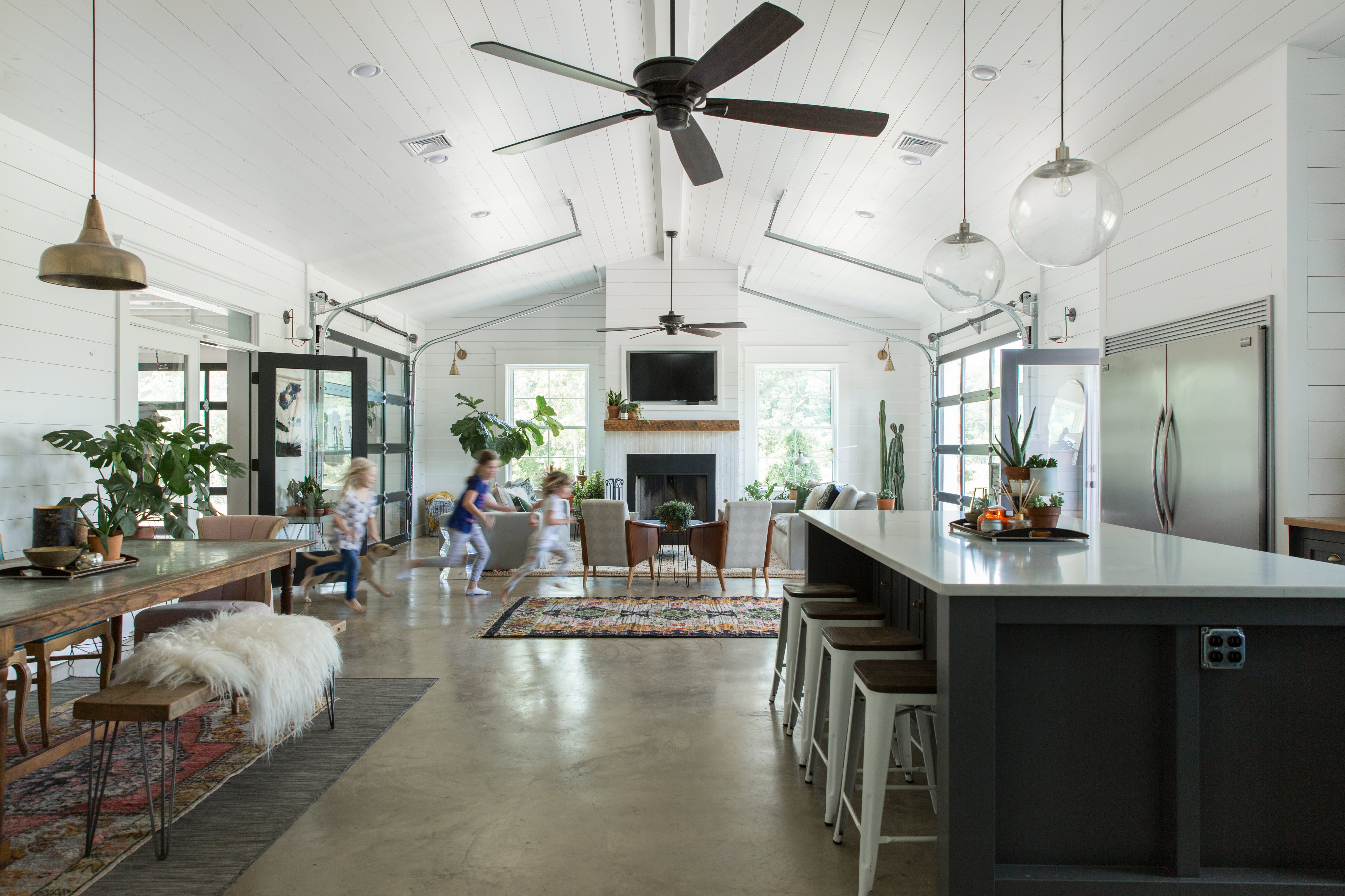 House Tour: An Eclectic Barn House in Louisiana | Apartment