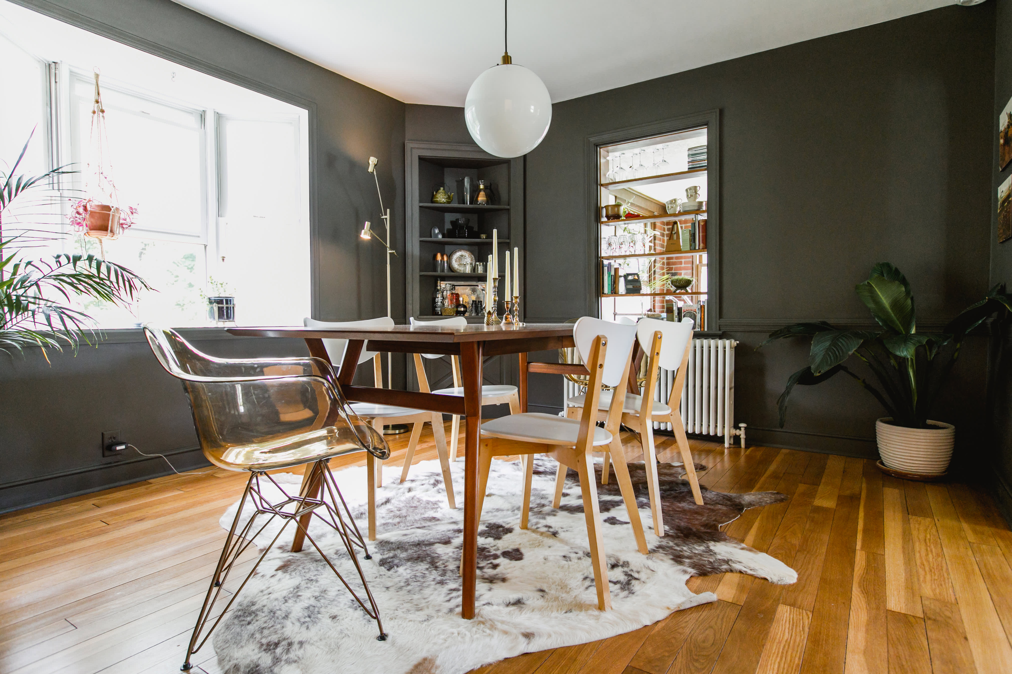 House Tour A Vintage Minimalism Style Home Apartment Therapy