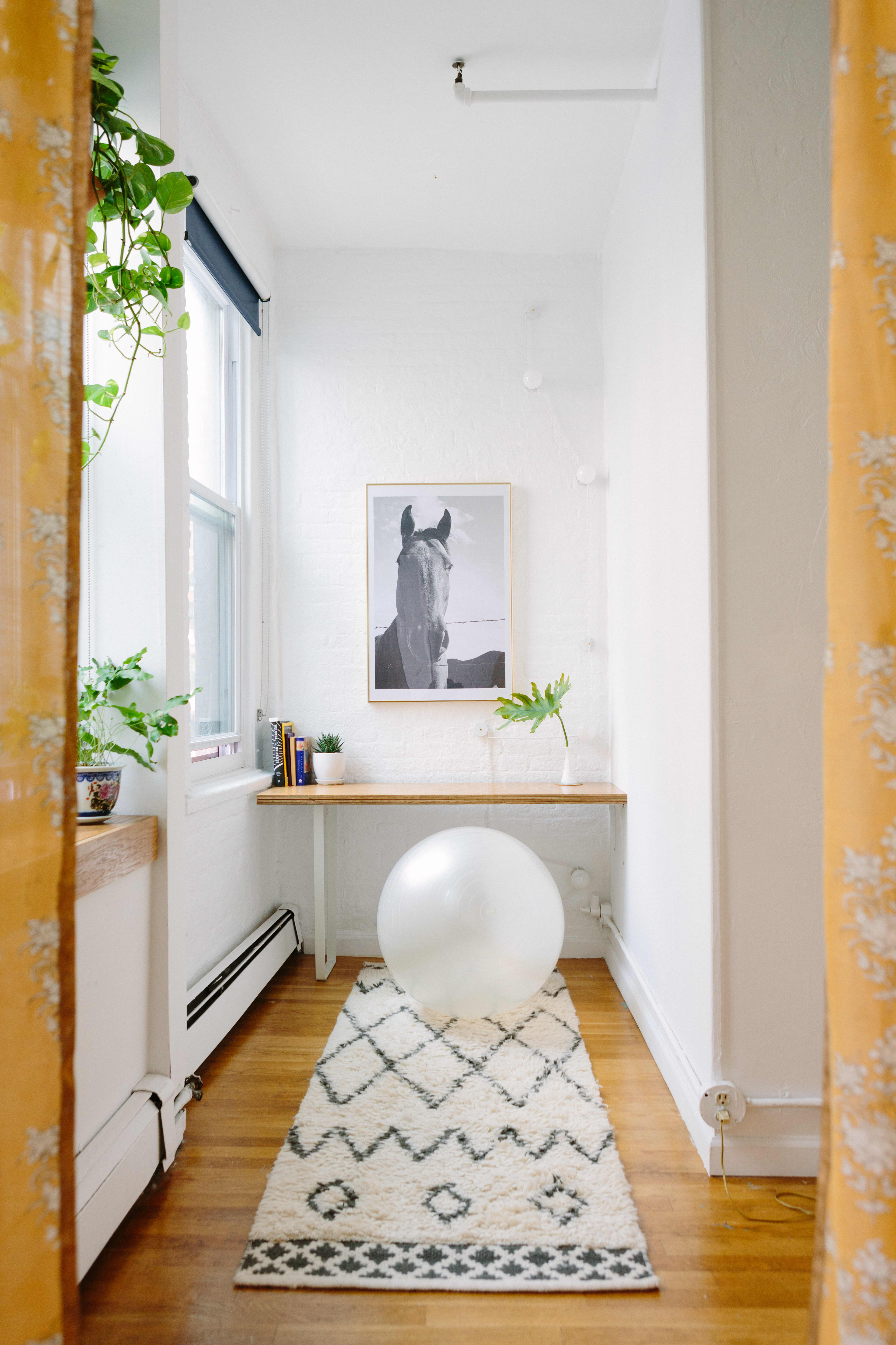 Tour: NYC Walk-Up Full of Clever DIY Projects | Apartment ...